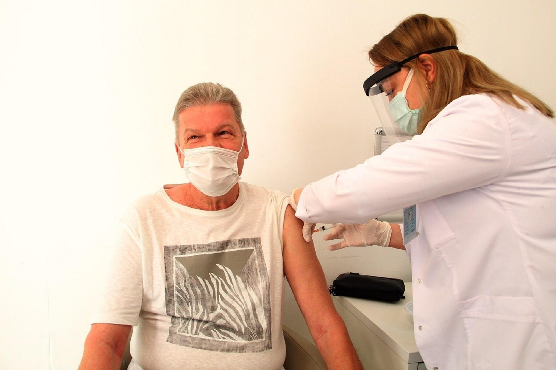 Παραλλαγή Δέλτα: Γιατί μερικοί πλήρως εμβολιασμένοι άνθρωποι πεθαίνουν από την COVID-19