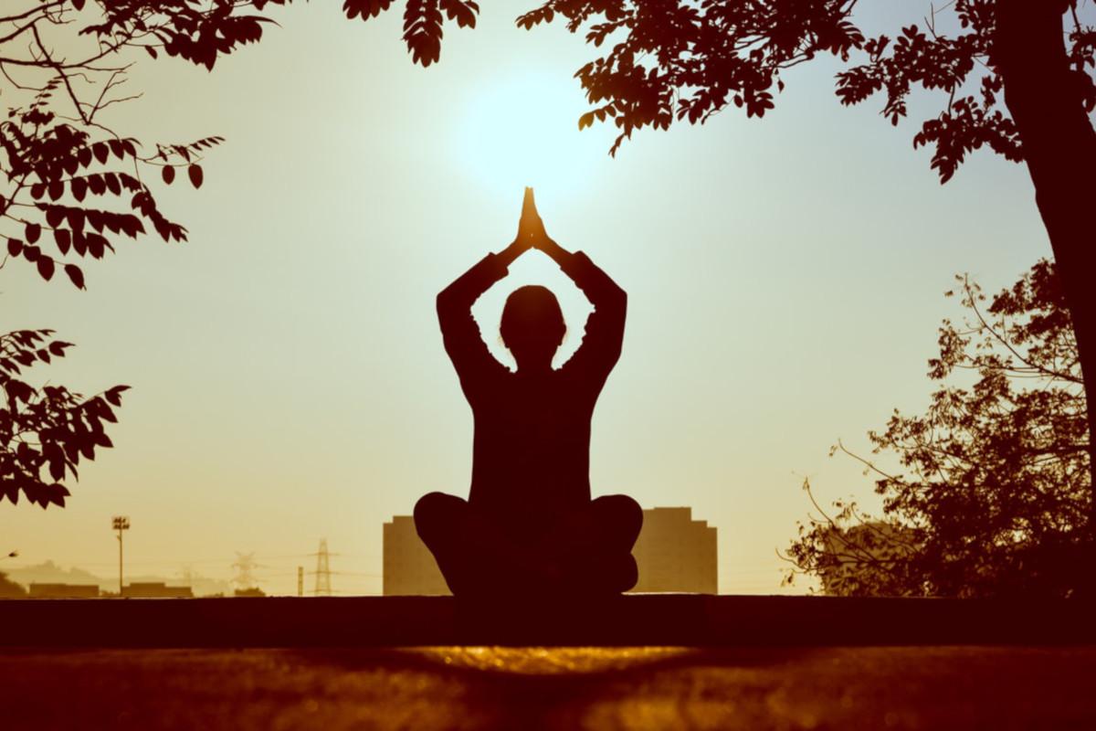 Αθλητισμός: Η πρακτική της γιόγκα μπορεί να ανακουφίσει σημαντικά την κατάθλιψη και το άγχος [vid]