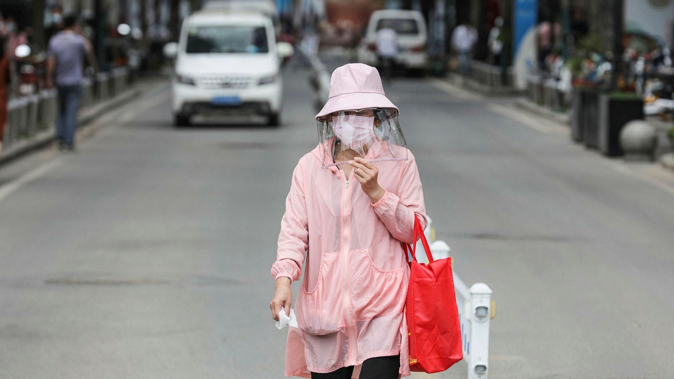 Κίνα Γουχάν: Προς εξέταση ολόκληρου του πληθυσμού μετά την επανεμφάνιση του ιού στην πόλη