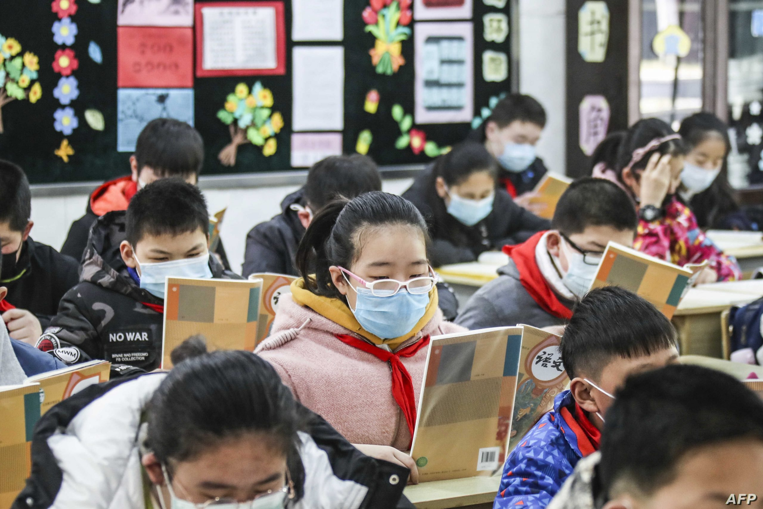 Κορωνοϊός Κίνα: Μαθητές στο στόχαστρο νέας εμβολιαστικής εκστρατείας για να περιοριστούν τα κρούσματα