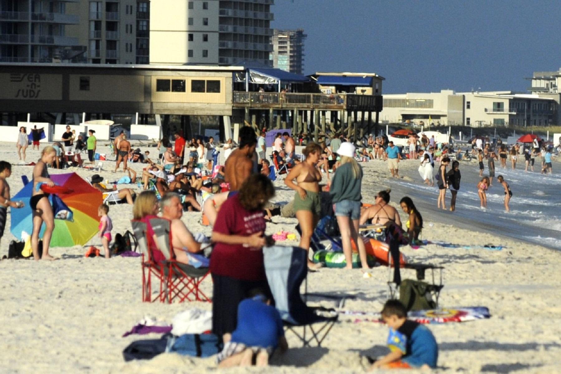 ΗΠΑ Πανδημία: Οι τουριστικές παραλίες της Ακτής του Κόλπου μετατρέπονται σε καυτά σημεία του κορωνοϊού το καλοκαίρι