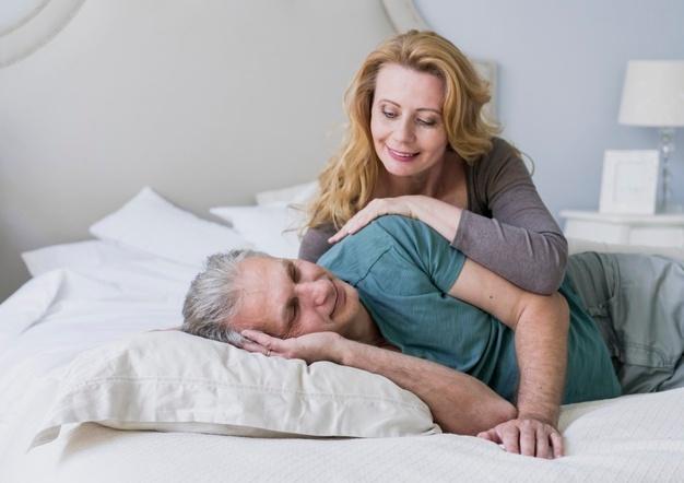 Σεξ Εμμηνόπαυση: Πώς επηρεάζει η εμμηνόπαυση τη σεξουαλική επιθυμία