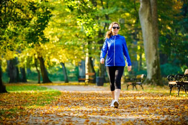 Περπάτημα: Μην υποτιμάτε τα οφέλη του στην υγεία [vid]