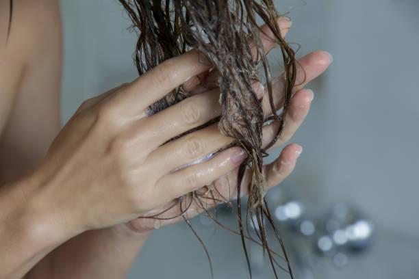 Μαλλιά: Μάσκα μαλλιών με μπανάνα και λάδι καρύδας για ξηρά και ατίθασα μαλλιά