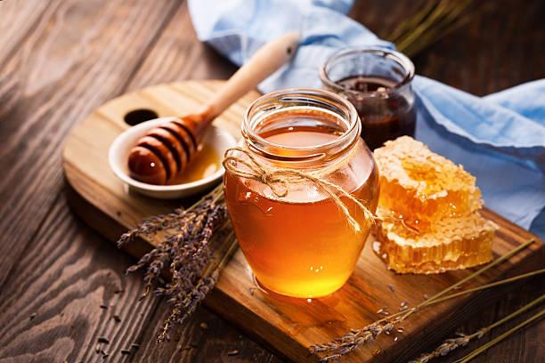 Μέλι δέρμα: Η θεραπευτική αξία του μελιού για το δέρμα [vid]