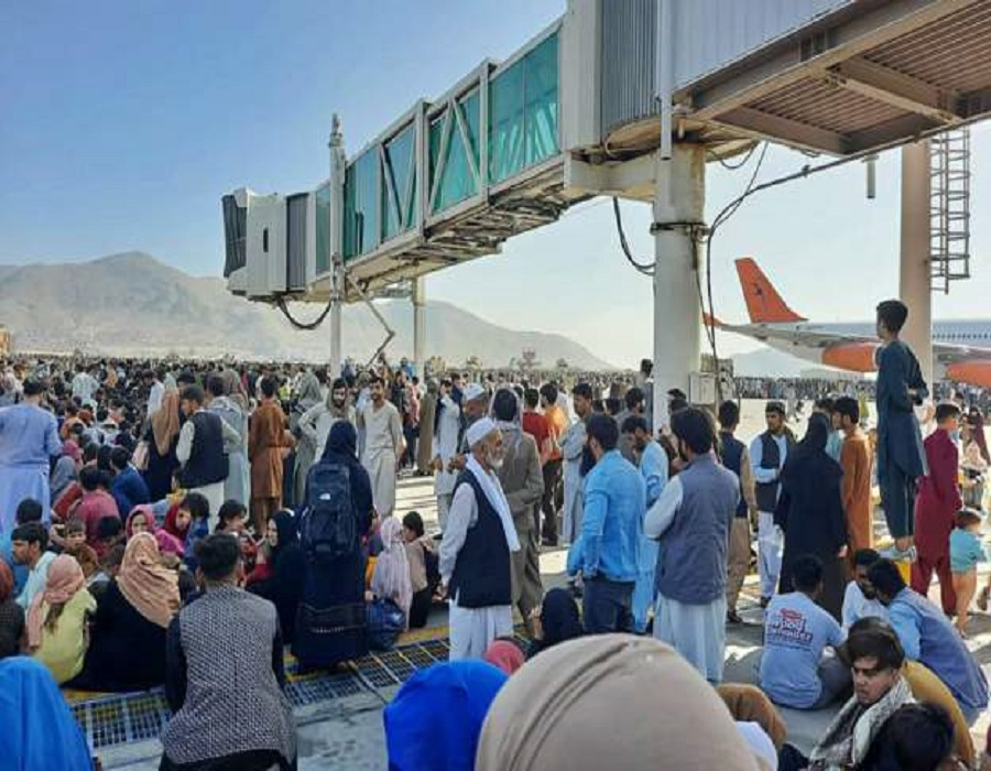 Αφγανιστάν Καμπούλ: Επιχείρηση διάσωσης στο αεροδρόμιο από το καθεστώς των Ταλιμπάν
