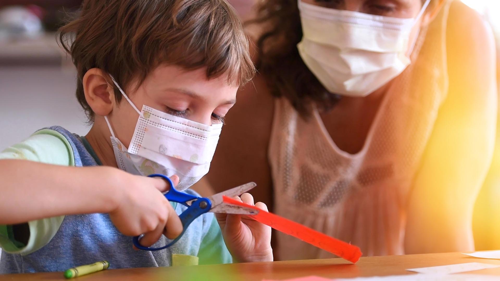 Κορωνοϊός: Πάνω από 1,5 εκατομμύρια παιδιά έχασαν τουλάχιστον έναν φροντιστή λόγω της πανδημίας