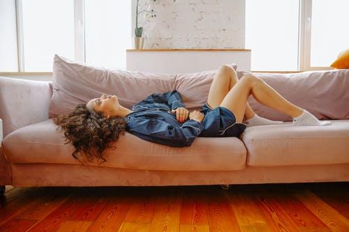 Καούρα Δυσπεψία: Σπιτικές και φυσικές θεραπείες για τις διαταραχές στομάχου [vid]