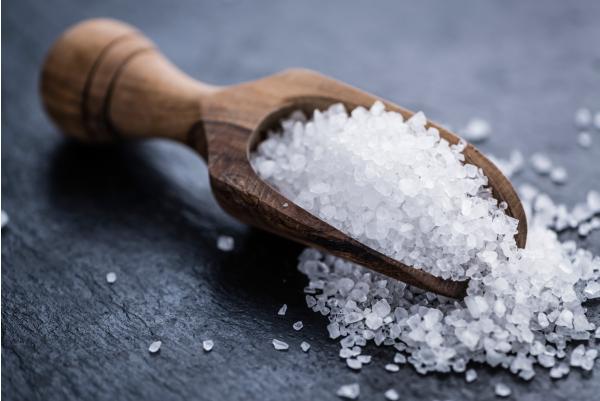 Θαλασσινό αλάτι: Για απαλό δέρμα και φυσική λεύκανση νυχιών [vid]