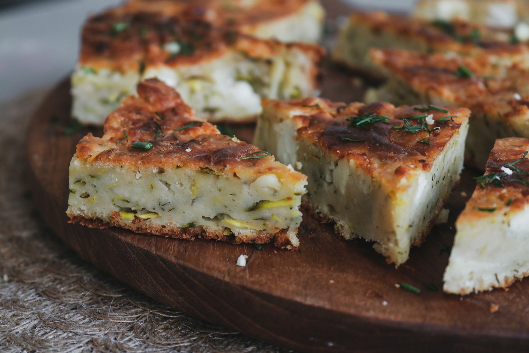 """Πίτα """"Ταρκάσι"""": Παραδοσιακή κολοκυθόπιτα με τραχανά, χωρίς φύλλο"""