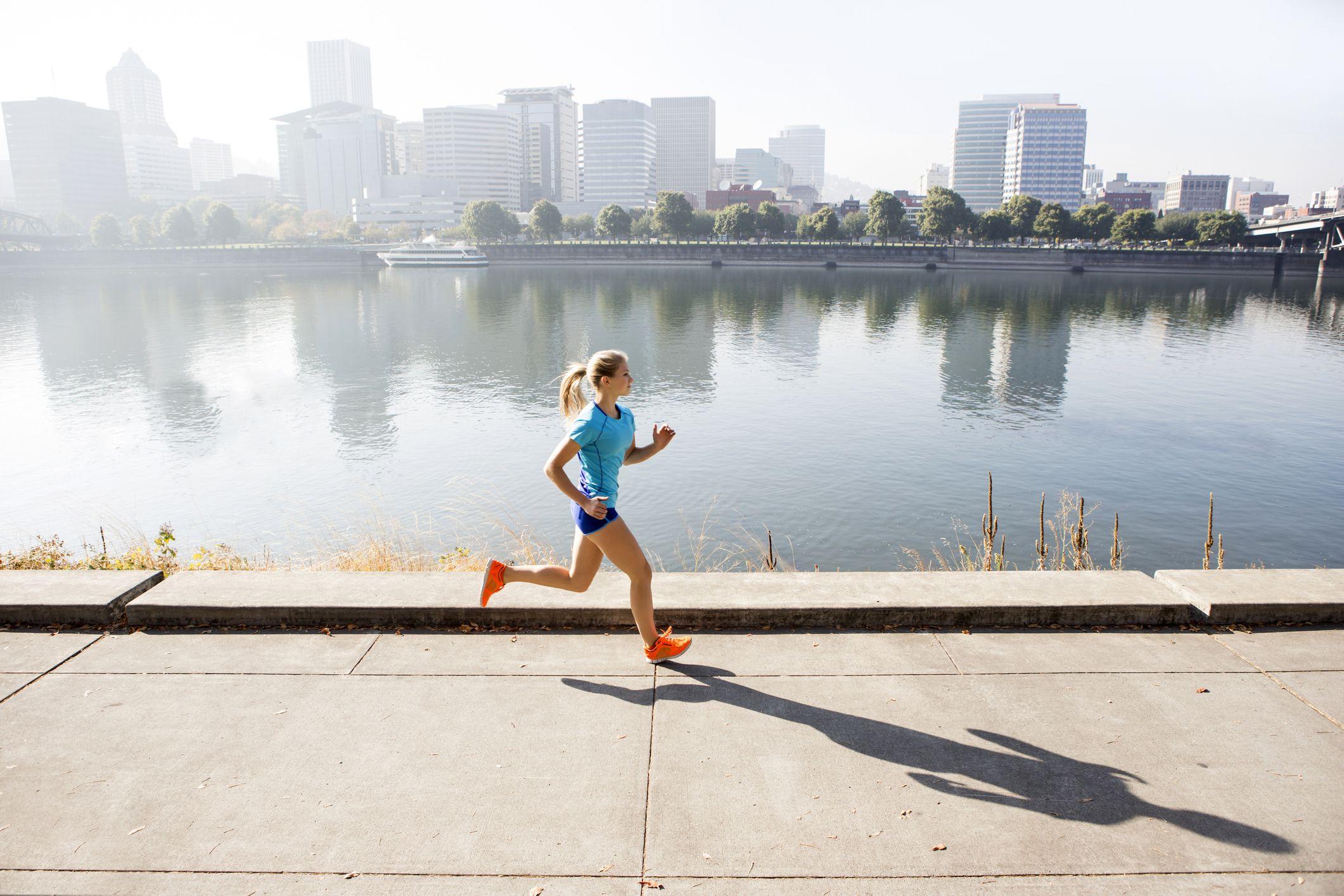 Τακτική σωματική άσκηση: Μειώνει τον κίνδυνο θανάτου από φυσικά αίτια, ακόμη και σε περιοχές με ατμοσφαιρική ρύπανση