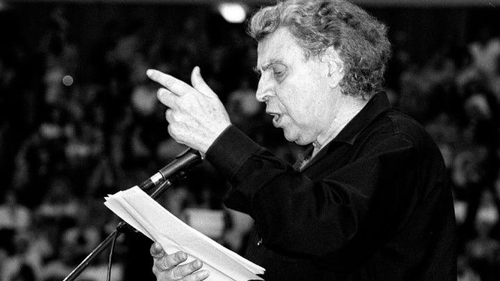 Μαρία Φαραντούρη για Μίκη Θεοδωράκη: Ο μύθος Μίκης έστρεψε τα βλέμματα του κόσμου στην Ελλάδα [vid]