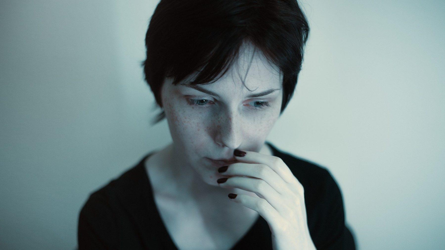 Κρίσεις πανικού: Αντιμετωπίστε τα συμπτώματα με προσοχή