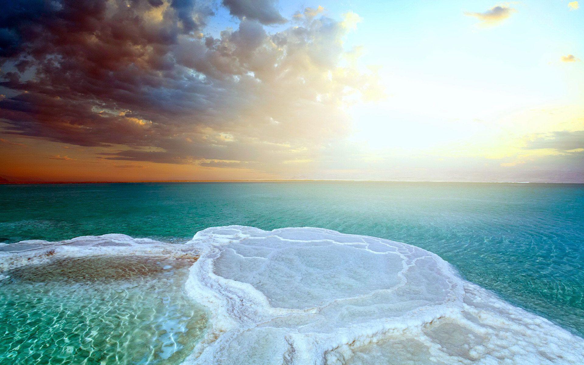 Αλάτι Νεκράς Θάλασσας ιδιότητες: Η φυσική λύση για το ξηρό, θαμπό δέρμα και τις μυαλγίες [vid]