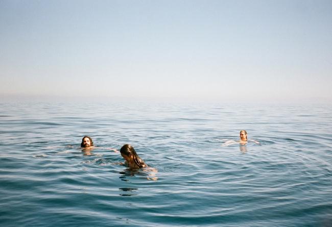 Θαλασσινό νερό: Τα ευεργετικά του οφέλη στο σώμα [vid]