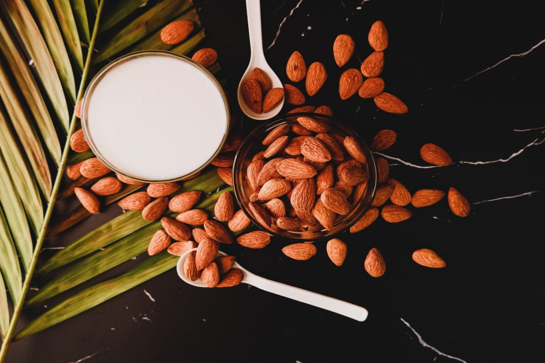 Αμύγδαλο γάλα DIY: Πώς να φτιάξετε γάλα αμυγδάλου εύκολα στο σπίτι