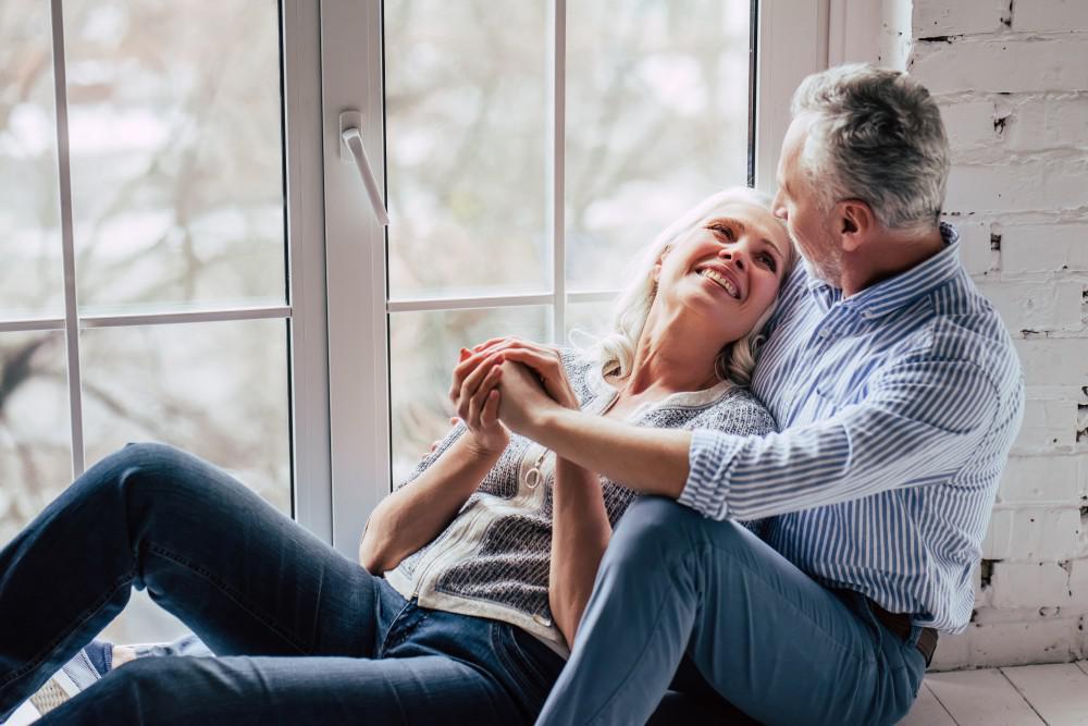 Σεξ εμμηνόπαυση: Πώς να ανάψετε την ερωτική φλόγα κατά και μετά την εμμηνόπαυση [vid]