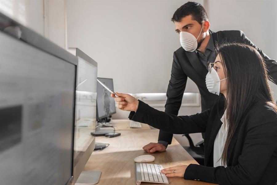 Ανεμβολίαστοι: Οι 10 κλάδοι στους οποίους πλέον απαιτούνται δυο test για τους εργαζόμενους