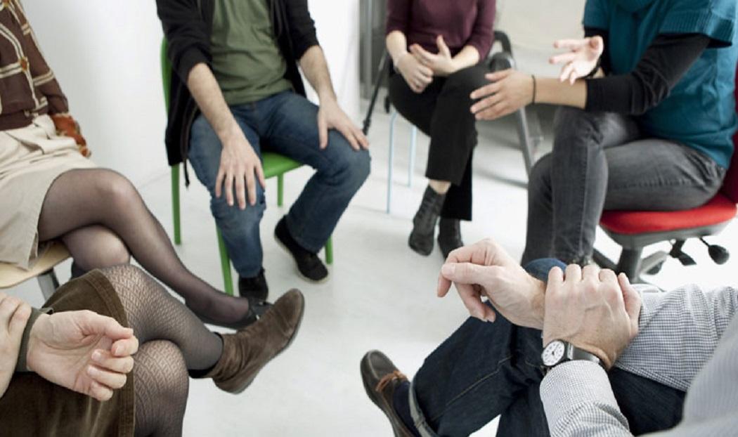 Ομαδική Ψυχοθεραπεία: Γιατί να επιλέξετε τη διερεύνηση του εαυτού σας στο πλαίσιο μιας ομάδας