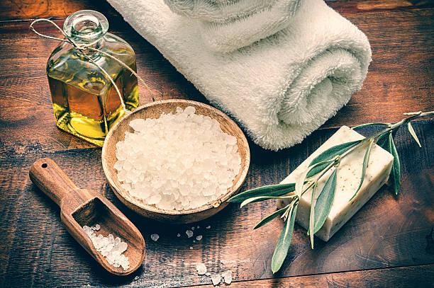 Θαλασσινό αλάτι: Ανακαλύψτε τα οφέλη του λουτρού με θαλασσινό αλάτι [vid]