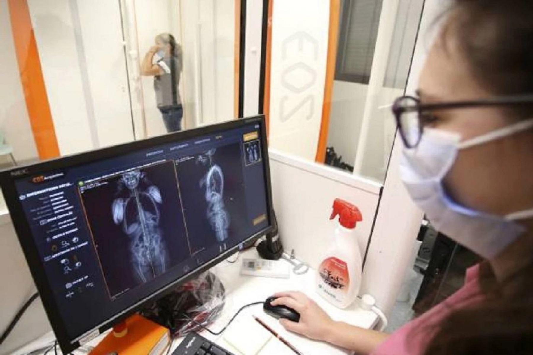 Ηνωμένο Βασίλειο: Έφηβος εισήγαγε ένα καλώδιο USB στην ουρήθρα του και έπρεπε να αφαιρεθεί χειρουργικά