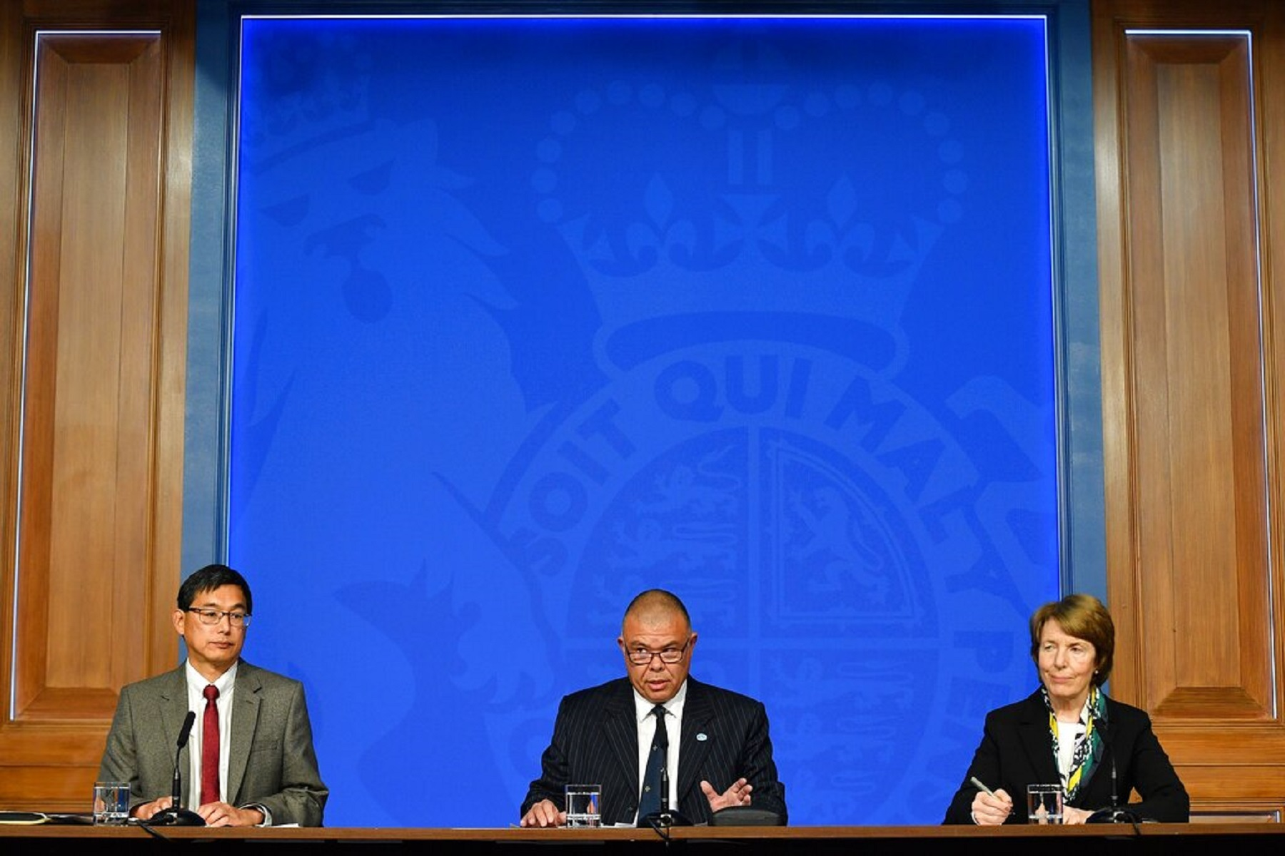 Ηνωμένο Βασίλειο: Συνιστά ενισχυτικές λήψεις έναντι covid-19 σε άτομα άνω των 50 και σε άλλα ευάλωτα άτομα