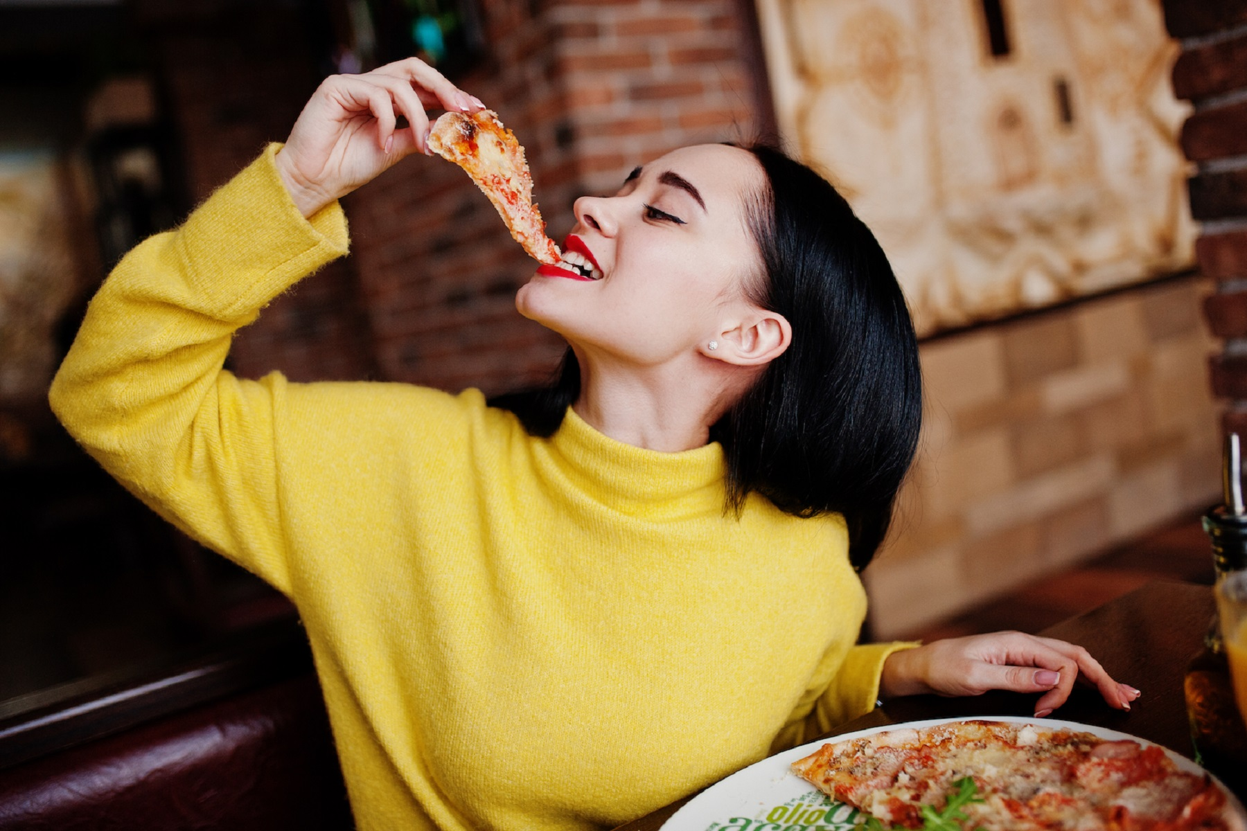 Διακοπή Κάπνισμα: Οδηγεί στην κατανάλωση περισσότερου πρόχειρου φαγητού & στην αύξηση βάρους