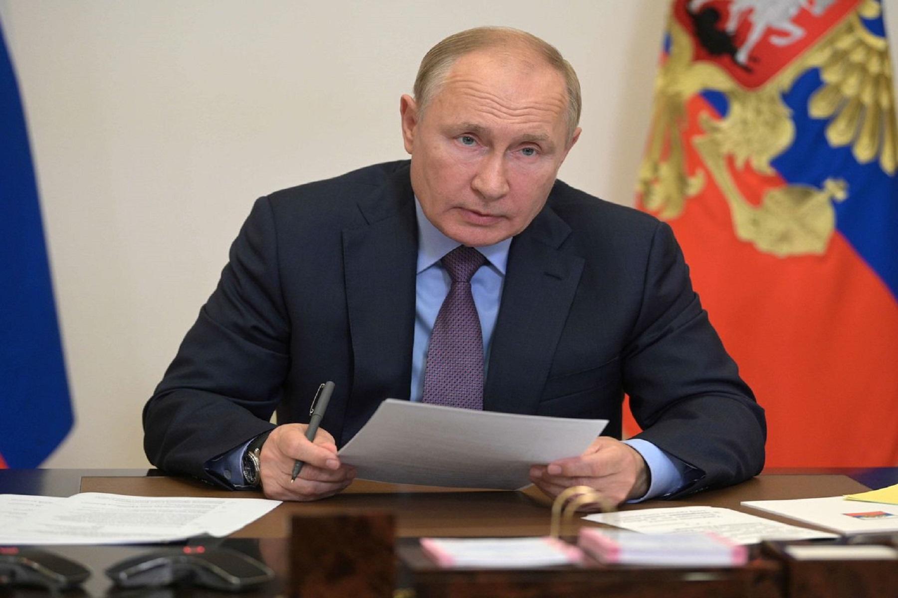 Ρωσία Κρεμλίνο: Ο Πούτιν απομονώνεται μετά από κρούσματα covid στον στενό του κύκλο