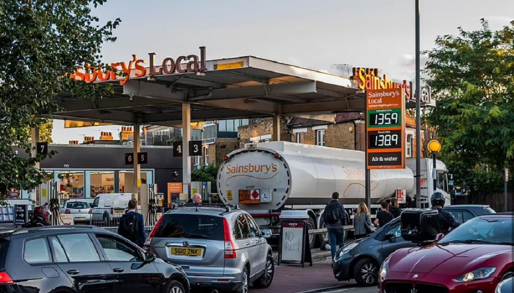 Ηνωμένο Βασίλειο: Σε οριακό σημείο η χώρα λόγω έλλειψης οδηγών φορτηγών