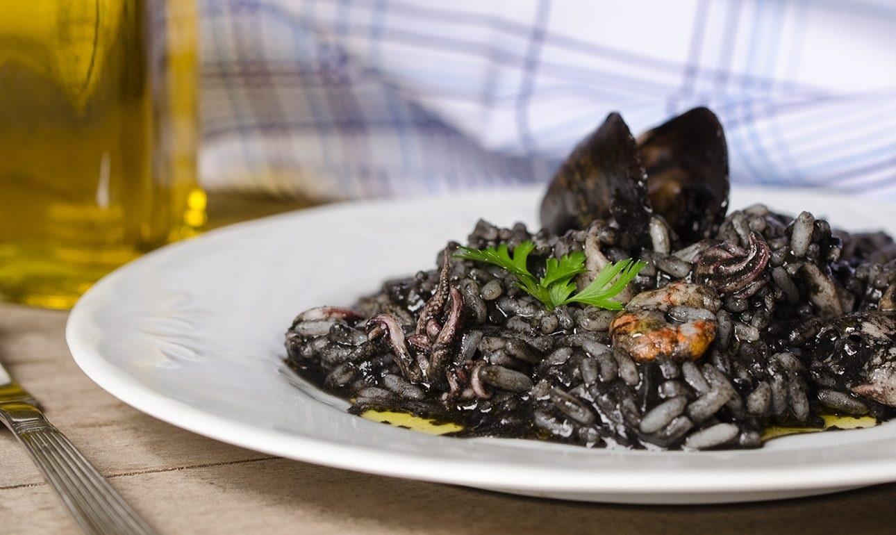Βενετία Gourmet: Μαύρο ριζότο με σουπιές