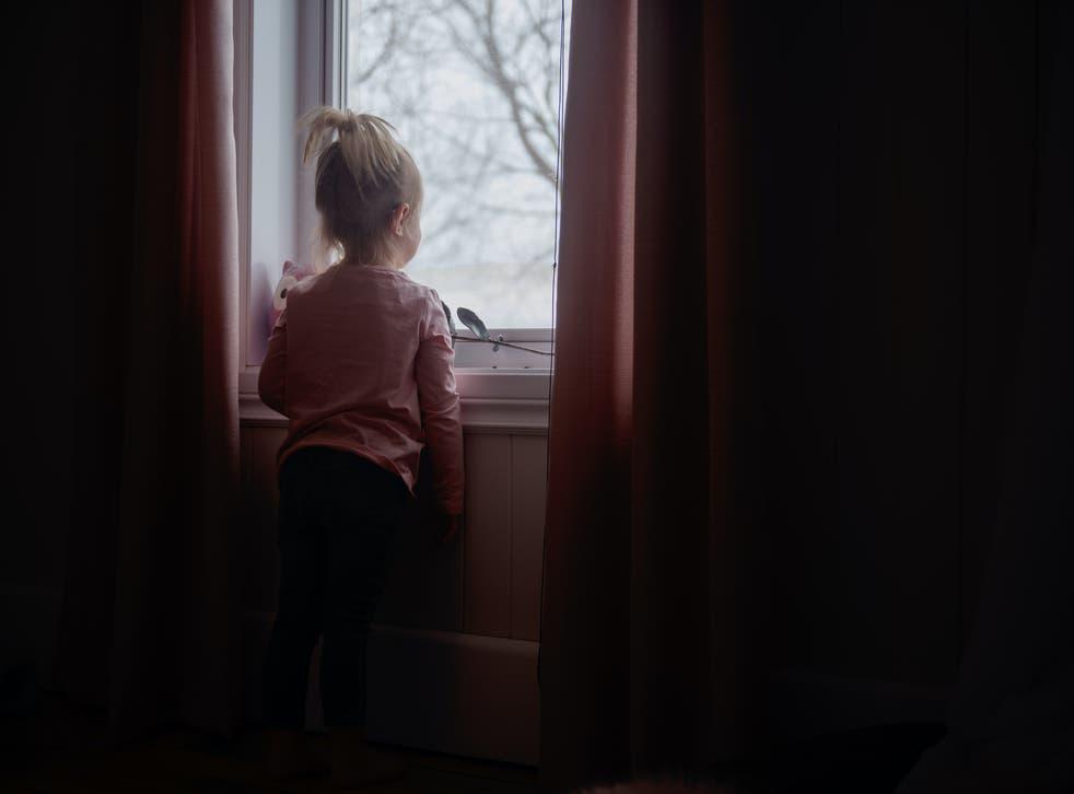 Κορωνοϊός ορφάνια: Περισσότερα από 140.000 παιδιά στις ΗΠΑ έχασαν έναν φροντιστή εξαιτίας της Covid-19