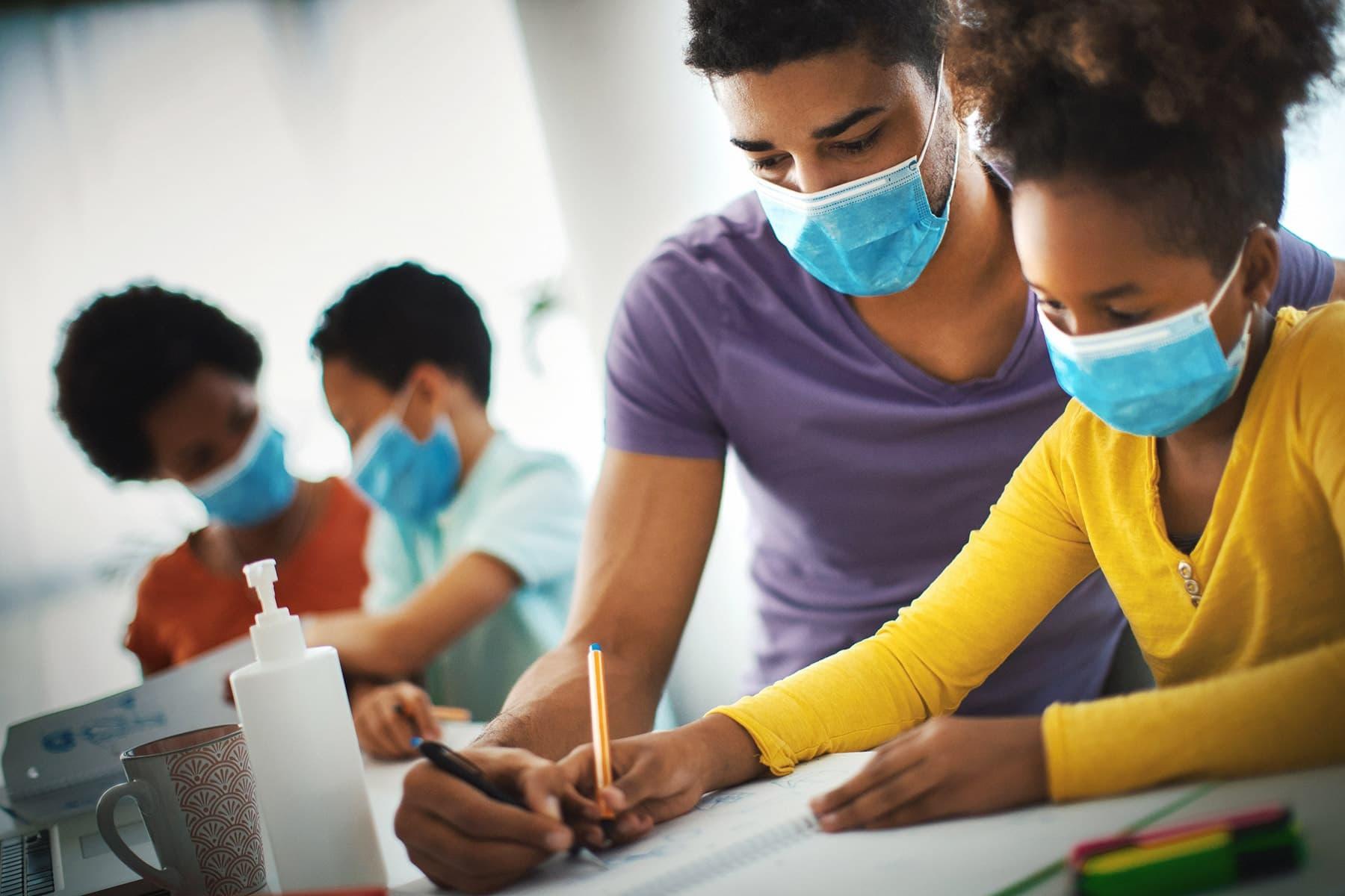 Κορωνοϊός Κόσμος: Η εκπαίδευση βλάφτηκε, ωστόσο, η καινοτομία εμπνεύστηκε από την πανδημία