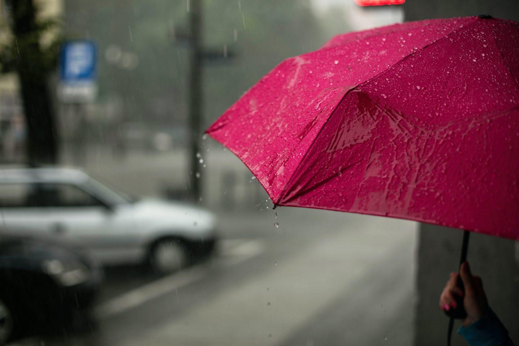 Καιρός Πάτρα: Κακοκαιρία χτυπάει τη χώρα, στην Πάτρα βρέχει μετά από 4 μήνες