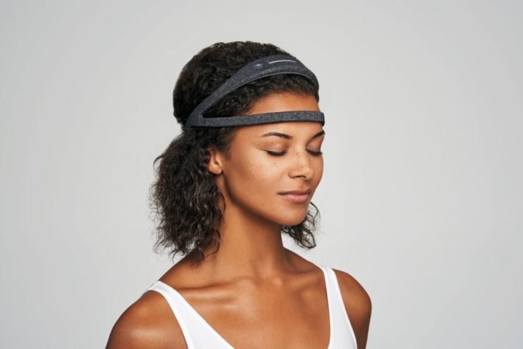 Smart headbands: Μια συσκευή νευροανάδρασης που προωθεί την ηρεμία